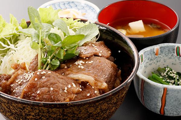 もりおか短角牛 焼肉丼…1,800円(税込み)